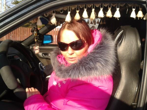 бизнес-леди за рулем